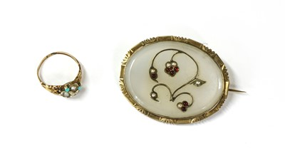 Lot 11 - A gold chalcedony, paste and split pearl brooch
