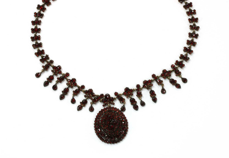 Lot 31 - A Bohemian rose cut garnet necklace