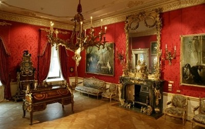 Lot 1 - A Tour of the Wallace Collection with Dame Rosalind Savill