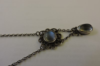 Lot 76 - An Arts & Crafts moonstone necklace