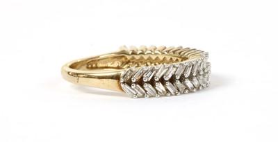Lot 52 - A gold diamond ring