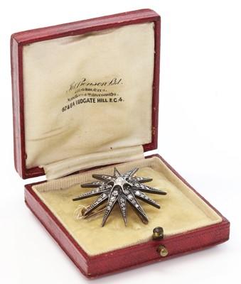 Lot 58 - A Victorian diamond set star brooch, c.1890