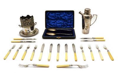 Lot 37 - Silver plated items