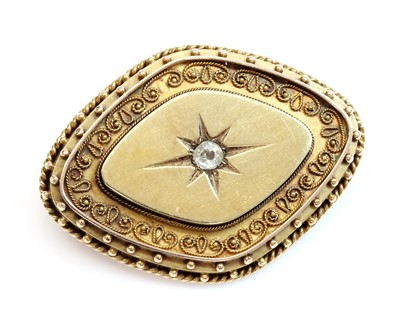 Lot 87 - A Victorian archaeological revival Etruscan style diamond set brooch, c.1870
