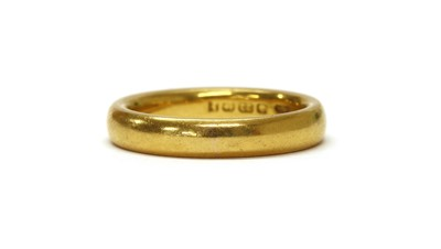 Lot 1065 - A 22ct gold court section wedding
