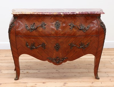 Lot 187 - A French Louis XV-style serpentine commode