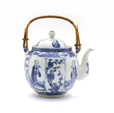 Lot 97 - A Chinese export blue and white teapot and cover