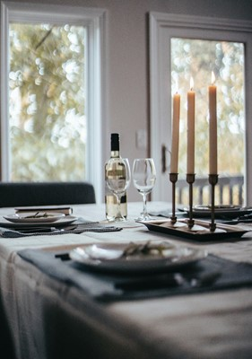 Lot 12 - Dinner for four with the Bishop of Bedford