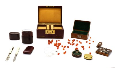 Lot 63 - A collection of items