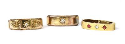 Lot 12 - An Edwardian 15ct gold diamond scarf ring