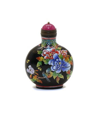 Lot 84A - A Chinese enamelled glass snuff bottle