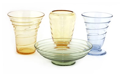 Lot 529 - Four Whitefriars glass items