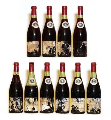 Lot 82 - Pernand Vergelesses, 1er Cru, Ile des Vergelesses, Louis Latour, 1976, ten bottles