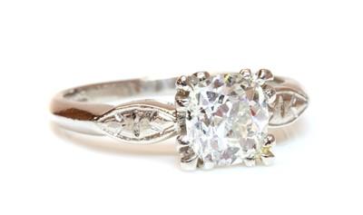 Lot 177 - An American single stone diamond ring