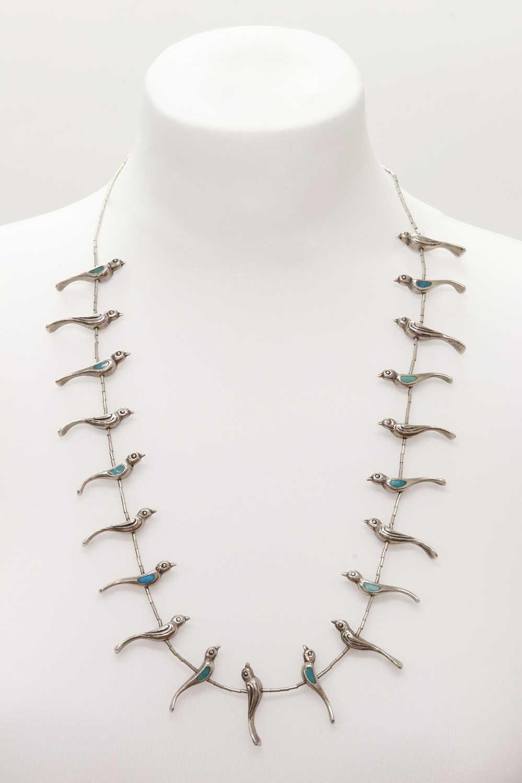 Lot 272 - A silver Navajo bird necklace