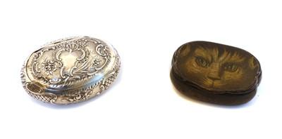 Lot 33 - A Victorian silver snuff box