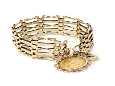 Lot 1113 - A 9ct gold gate bracelet