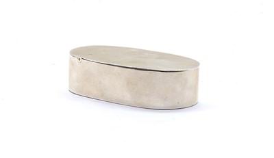 Lot 45 - A George III silver snuff box