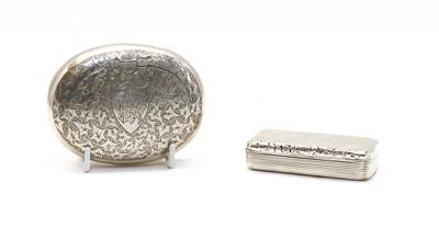 Lot 29 - A George IV silver snuff box