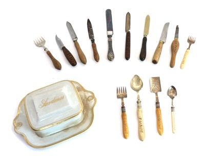 Lot 76 - Fourteen various 19th and 20th century named cutlery items