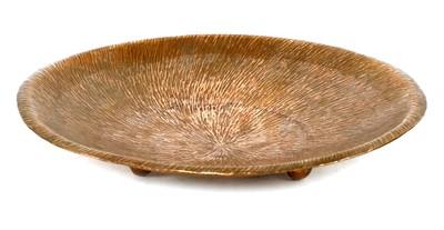 Lot 481 - A copper dish