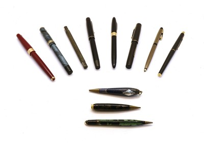 Lot 39 - A collection of pens