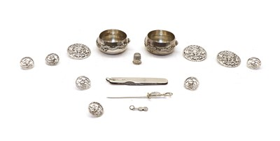 Lot 43 - A collection of silver items