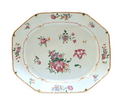 Lot 82 - A large Famille Rose large meat plate