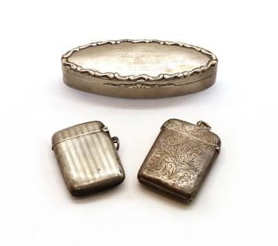 Lot 44 - An Edwardian silver snuff box