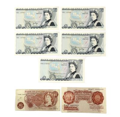 Lot 83 - Banknotes, Great Britain, Elizabeth II (1952-)