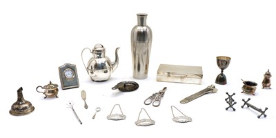 Lot 36 - A collection of silver and plated items