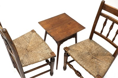 Lot 92 - A pair of Arts and Crafts oak side chairs