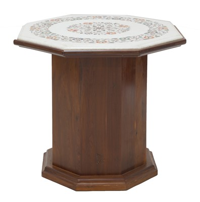 Lot 572 - A pietra dura marble octagonal table top