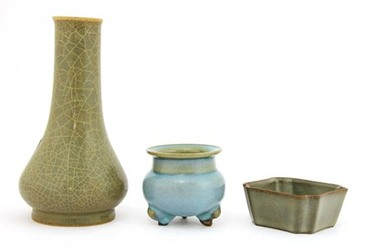 Lot 90A - A group of Chinese porcelain