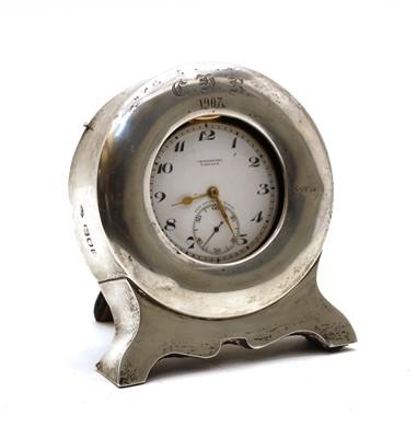 Lot 18 - A gentleman's pocket watch in a silver mounted velvet case