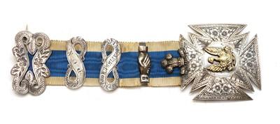 Lot 34 - A silver masonic medallion