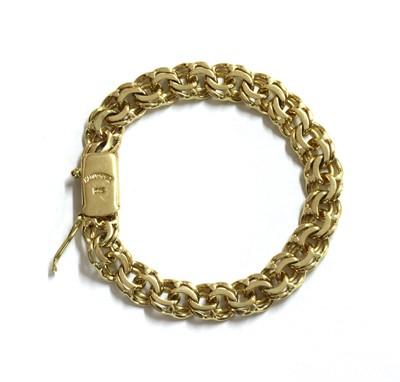 Lot 67 - A German gold bracelet
