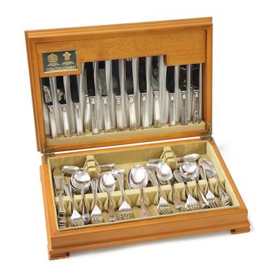 Lot 65 - An Arthur Price canteen of cutlery