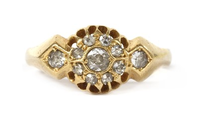 Lot 1032 - An 18ct gold diamond cluster ring