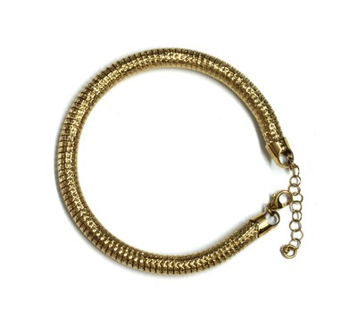 Lot 118 - A 9ct gold bracelet