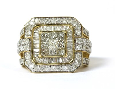 Lot 32 - A 9ct gold diamond cluster ring
