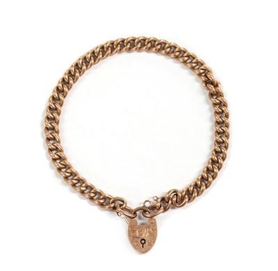 Lot 1105 - An Edwardian 9ct gold curb link bracelet, by Saunders & Shepherd