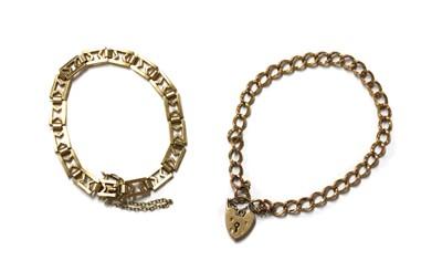 Lot 66 - A 9ct gold bracelet