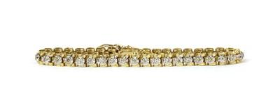 Lot 35 - A gold diamond bracelet