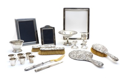 Lot 37 - A quantity of silver items