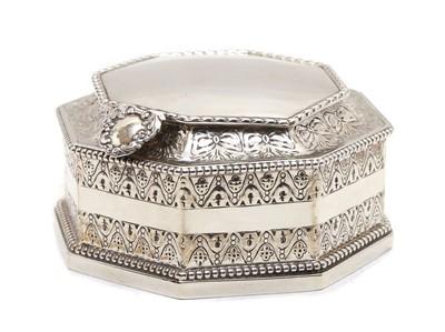 Lot 41 - A silver lidded box