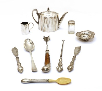 Lot 71 - A collection of silver items