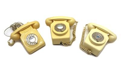 Lot 58 - Four bakelite telephones