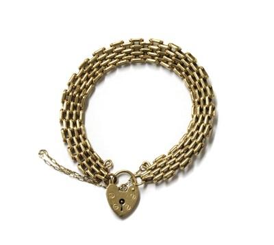 Lot 65 - A 9ct gold gate bracelet