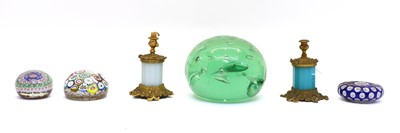 Lot 86 - A small Clichy paperweight